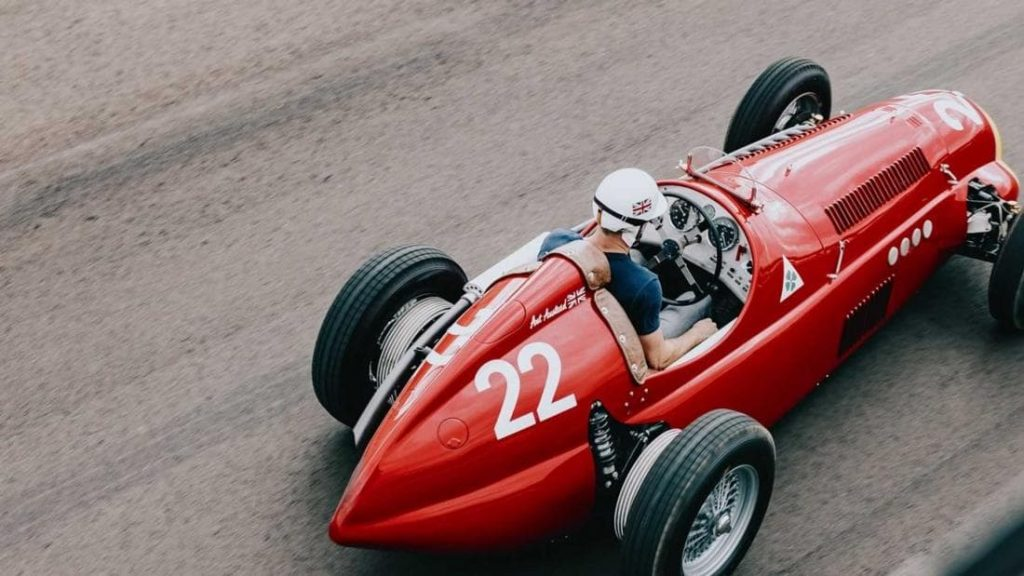 Гоночный Alfa Romeo из Mazda Miata